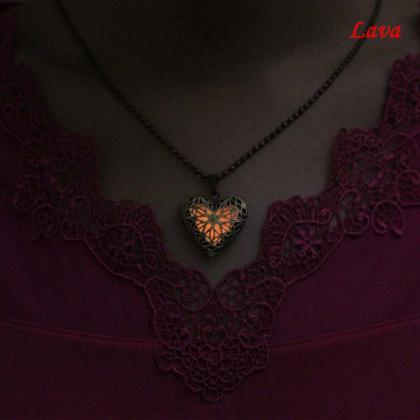 Free Shipping Glowing Heart Necklac..